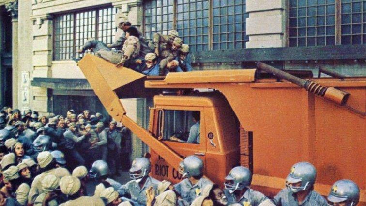 soylent-green-riot-truck