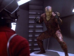 star-trek-ds9-pursuit-tosk-in-cell