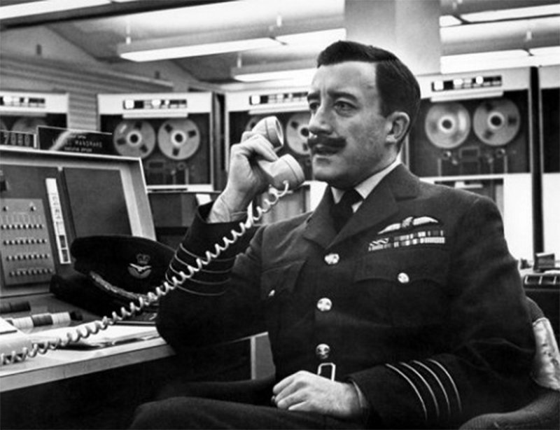 dr-strangelove-or-how-i-learned-to-stop-worrying-and-love-the-bomb.2_f