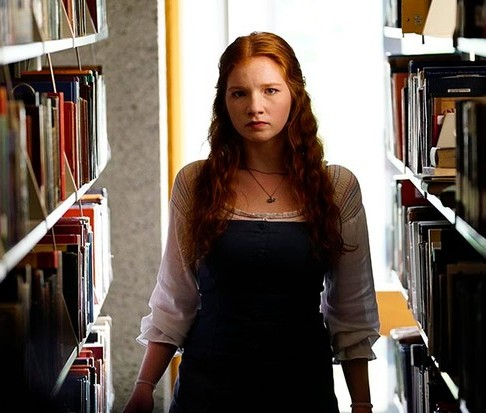 Annalise Basso as Foster Lee